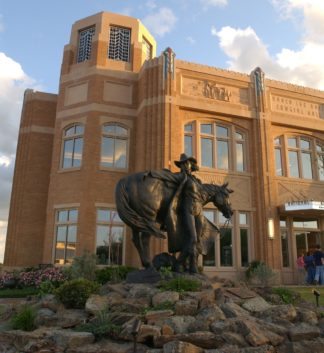 """<a href=""""http://www.cowgirl.net"""" target=""""_blank"""">National Cowgirl Museum & Hall of Fame</a>"""